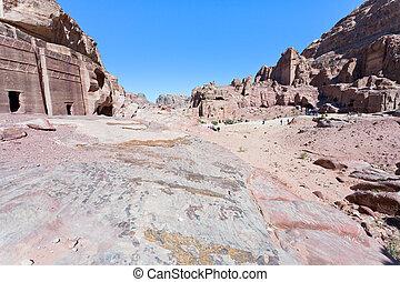 Street of Facades, Petra