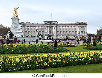 Buckingham Palace in spring - Buckingham Palace, London, UK