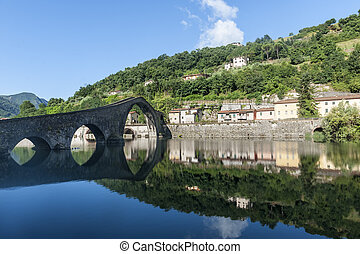 Ponte della Maddalena (Lucca, Tuscany) - The old bridge...