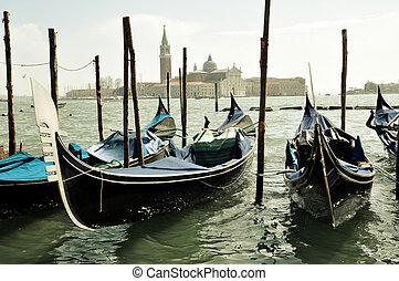 Gondole Venezia San Giorgio Maggiore - Gondole and a view of...