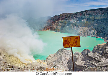 Kawah Ijen volcano, Java, Indonesia
