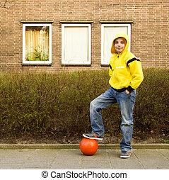 lindo, adolescente, niño, amarillo, Hoodie, naranja,...