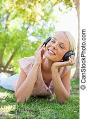 sonriente, mujer, auriculares, el gozar, Música,...