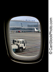 kind from a porthole on the air-port of Moscou