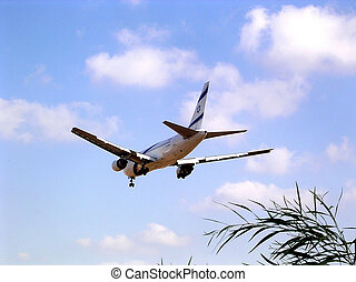 Or Yehuda Airplane July 2005 - The plane is landing at the...