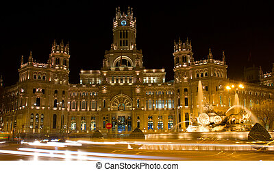 Plaza de Cibeles at night, Madrid, Spain - Plaza de la...