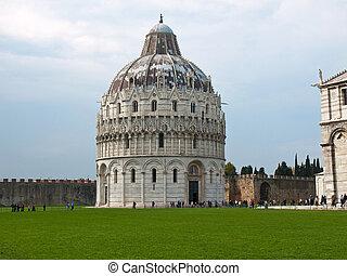 piza Italy - Bath house La piazza del Suomo in Pisa italy...