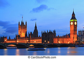 Big Ben London - Big Ben and House of Parliament at River...