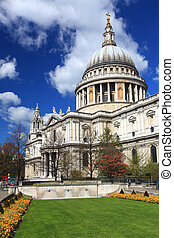 St. Paul Cathedral London - St. Paul Cathedral with green...