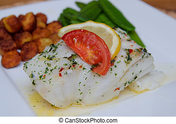 Grilled codfish with fried potatos and green beans