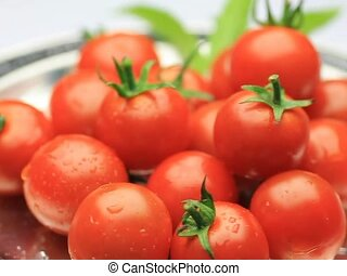 mini-tomato - I put mini-tomatoes in a tray and turned it...