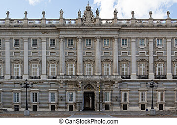 Side entrance of Palacio Real - The side entrance of Madrids...