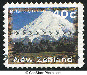 Scenic Views Type - NEW ZEALAND - CIRCA 1996: stamp printed...