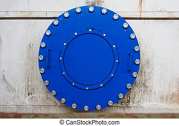 flange - Blind flange with bolts tightened to the pipe