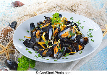 Fresh mussels - Mussels with butter-lemon-sauce and...