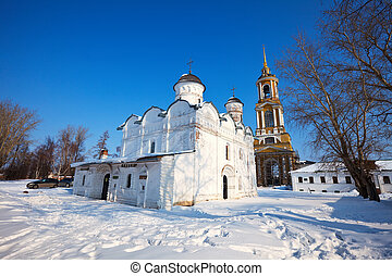 Rizopolozhensky monastery at Suzdal in winter - Cathedral of...