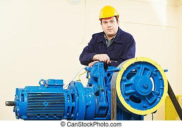 elevador, Maquinista, afinación, frenos, mecanismo