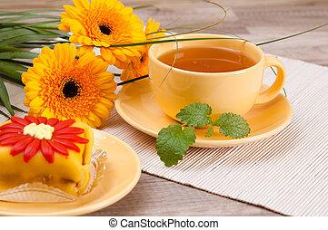 té, pastel, gerberas, flores