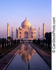 Taj Mahal at dawn, Agra, India - View of the Taj Mahal at...