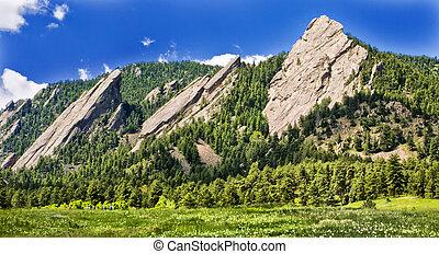 Flatirons in Boulder Colorado - Flatirons in Park, Boulder,...