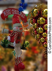 Cristmas - Golden and White balls - christmas decorations...