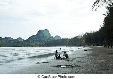 Beach Aow Manao, Prachuap Khiri Khan. - Aow Manao, Prachuap...