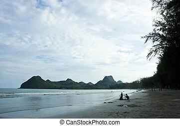 Beach Aow Manao, Prachuap Khiri Khan.