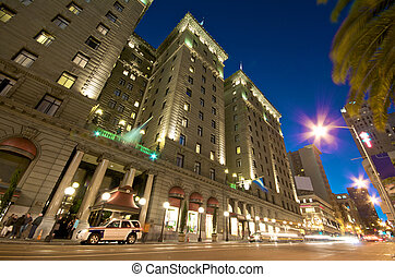 San Francisco downtown - Nightlife and Traffic at Union...
