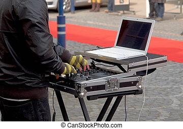 Dj playing disco - Dj playing disco house progressive...