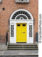 Georgian Door - A yellow Georgian style door in Dublin...