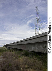 Overpass with vanishing point - overpass with vanishing...