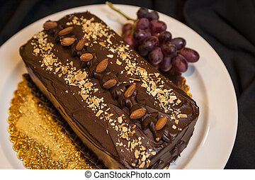 Chocolate cake with almonds