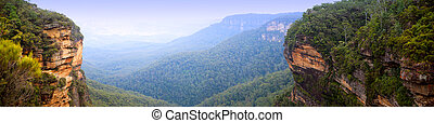 Blue Mountains Panorama - Panorama of the Blue Mountains,...