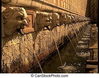 LAQUILA 99 spouts fountain full sid - The italian city of...