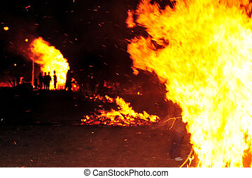 Israel Lag B'Omer Jewish Holiday - Israeli youth celebrate...