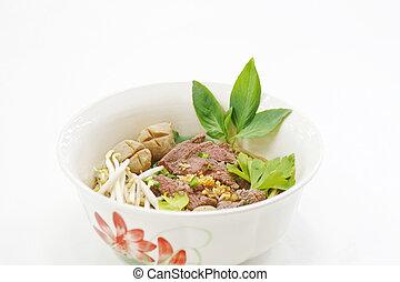 lek nam tok, beef noodle thai food