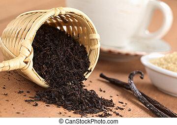 Black Tea in Infuser with Vanilla