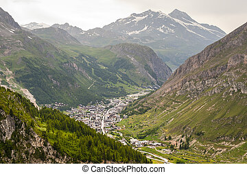 Val dIsere French Alps - Val dIsere Rhone-Alpes, France -...