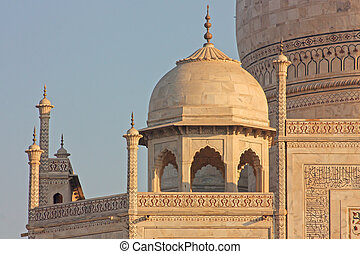 view of Taj Mahal at sunrise, Agra, Uttar Pradesh, India