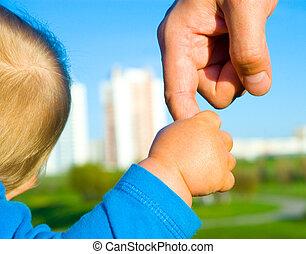 mãos, criança, filho, pai