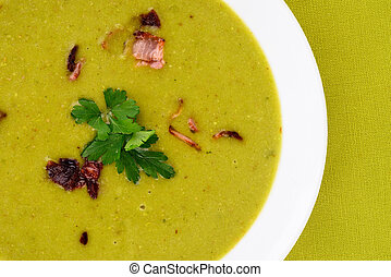 Fresh pea soup. - Pea soup with small pieces of bacon.