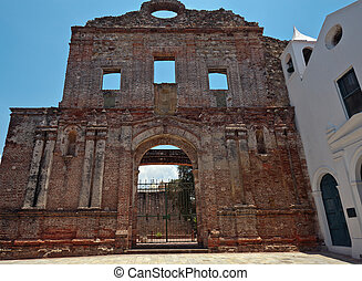 The ruins of the church and Santo Domingo convent in Panama...