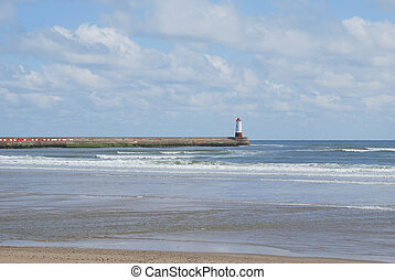 Berwick-upon-Tweed pier and lighthouse - Berwick-upon-Tweed...