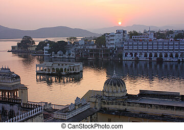View on the Udaipur lake on the night, Udajpur, India...