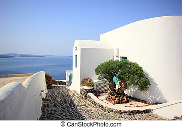 Classical Greek architecture of the streets in Oia -...