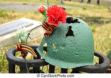Rusty soviet army Helmet with flower - Rusty soviet army...