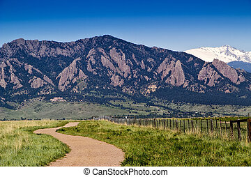 Boulder Colorado Hiking Trail - Hiking Trail in Open Space...