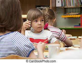 lunch in the kindergarten