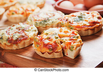 Vegetarian Quiche Lorraine, mini pie filled with vegetables