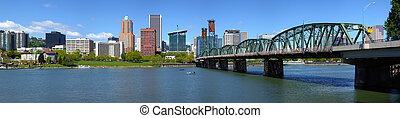 Portland Oregon skyline panorama - Portland Oregon skyline...